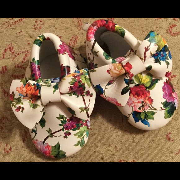 Other - FLORAL BABY SHOES with Bow Moccasin Style Size 3